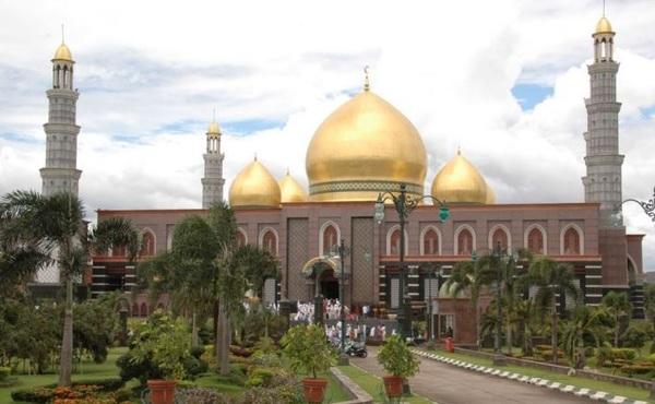 Masjid Kubah Emas Depok Dian Al Mahri