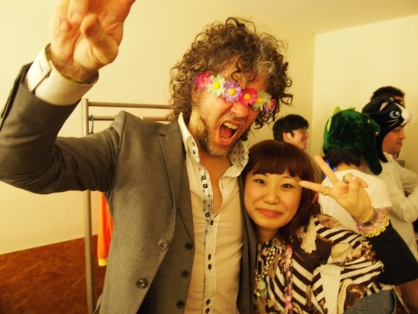 Japanese super fans are soooooo great!! Now and 2 years ago!!