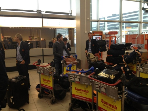 @Schiphol, all ready for our trip to London. 2 games v GB at Olympic Park! #ziningoud