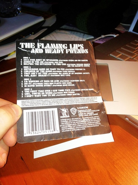 @waynecoyne Carefully unstuck my heady fwends track listing from the plastic, stuck to some paper...voilà!