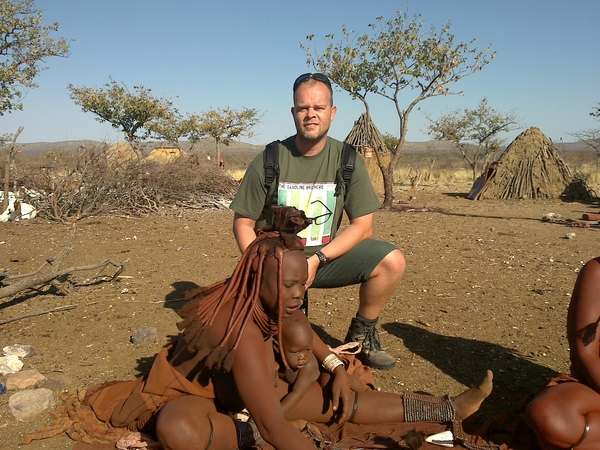 Ook bij de Himba is #Tsk nu een hit! Helaas kunnen ze er niet bij zijn in Ekko, maar ze wensen @gasolinebrother veel succes!