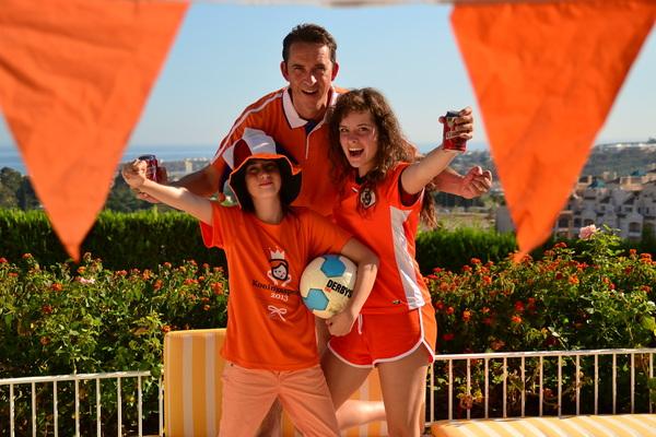 Marbella, Spanje; Bij 30 graden, 19:20 uur, zijn wij helemaal klaar voor Oranje! #buienradar