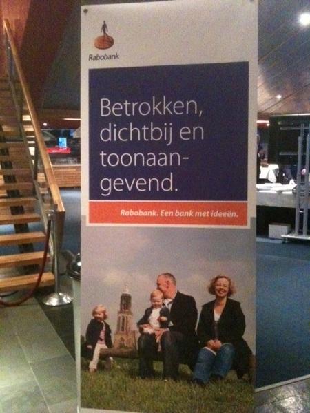 Zo kan het natuurlijk ook: je merkwaarden gewoon op de banner zetten #rabobank