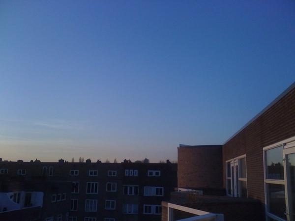 BREKEND: Ziet een vliegtuig vliegen. Dat moet die KLM zijn.
