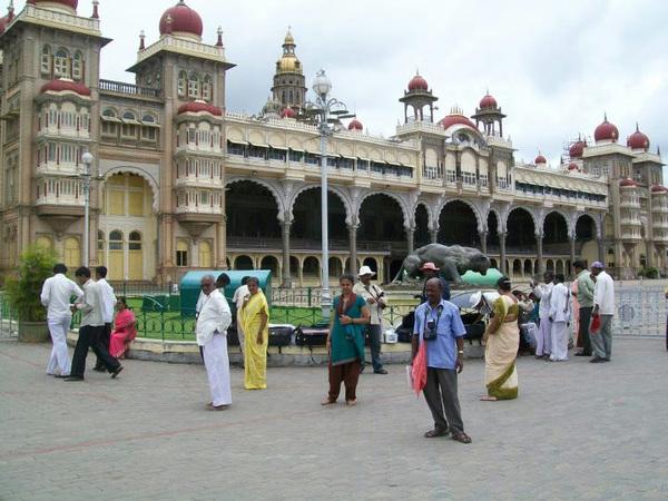 @MumbaiMag #travel #BonVoyage2012 #Mysore Palace! #Karnataka