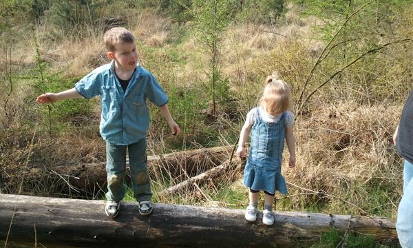 Onze #kids aan het #stunten in de #natuur ^_^