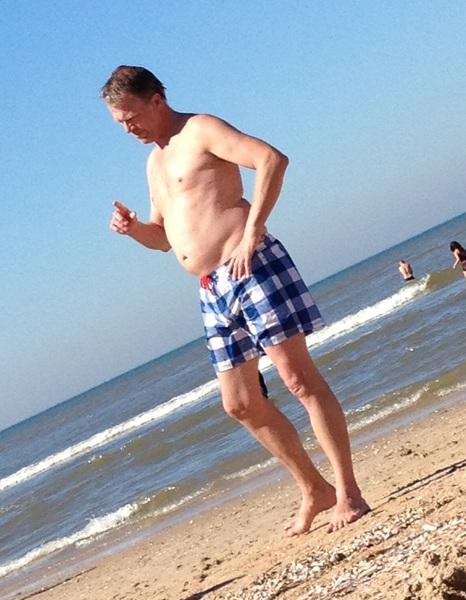 Vandaag geen CDA vliegtuig op het strand, wel Wouter Bos #pvda