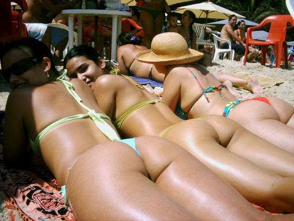 Con cual te quedas? .. #latinas #mujeres #bellas #ass #culos #booty #sexy #vecinas #fotos #modelos