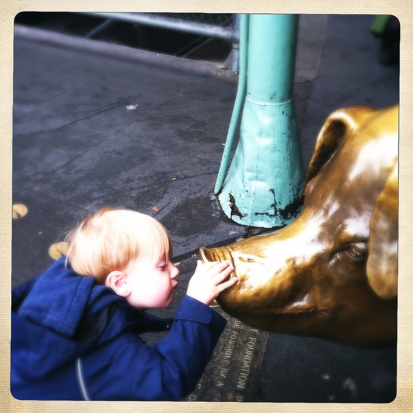 Kissing Rachel the pig at Pikes Place