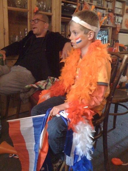 Orange fan watching NL-JPN
