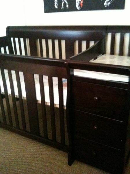 Babe got the crib set up 