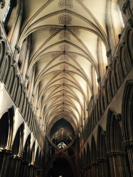 Architectural tweet for #Easter Sunday - Medieval scissor arches of @WellsCathedral1 w Early English Gothic pattern