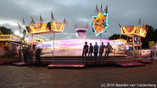 Zondagavond is het weer rustig op #kermis #rosmalen , maar dat komt goed uit voor foto's van de lampjes
