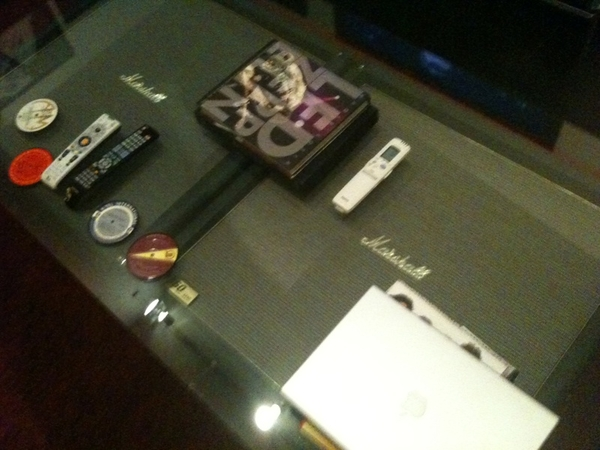 BUNKER LOUNGE MARSHALL COFFEE TABLE...no guitarist should be without one/ZEP book is MANDATORY AS WELL