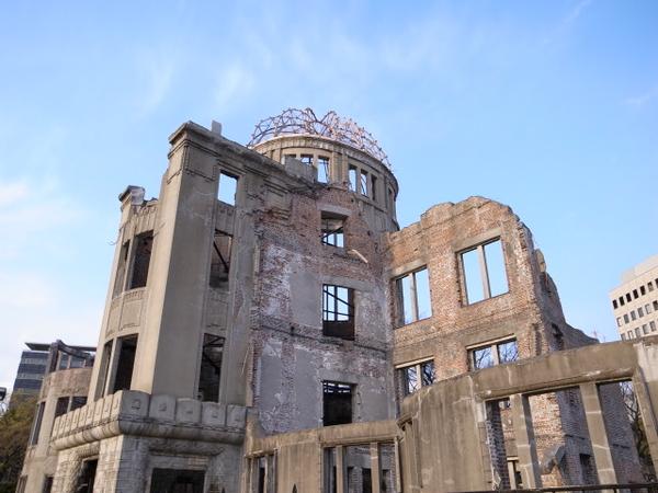 原爆ドームなどを見たり。