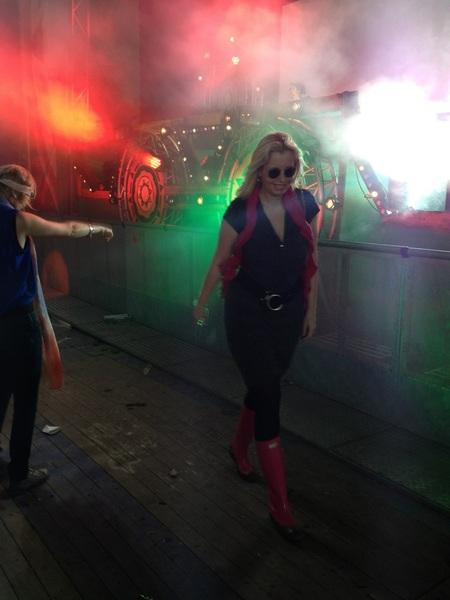 Jeuh!! Weer front stage! Bij Joost van Bellen @isf_nl. Dansje op m'n Wedge Wellies. Love it here!