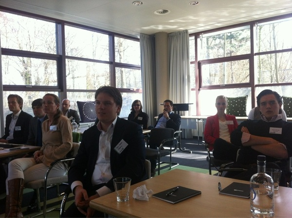 @Danischouten en @jonasdegroot  achterin de klas #linkedinevents