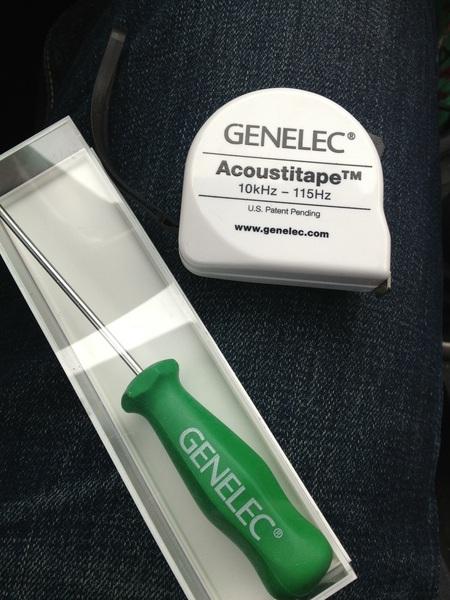 Bezoekje bij Genelec stand leverde het een en ander op...