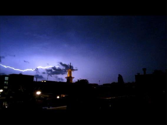 Onweer boven Schiedam