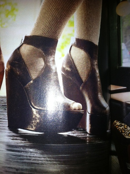 I seriously need these shoes in my life.
