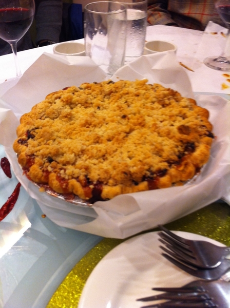 And they brought amazing wine (yea, Bugader!) and a Hosier Mama streusel apple pie for dessert!!