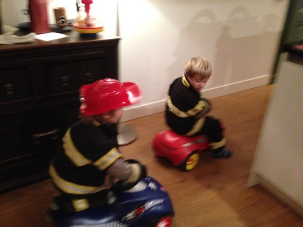Firemen racing to the rescue!