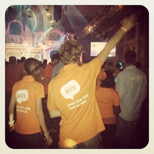 Kijk nou! @allylivelink gespot op deze topavond in het #hhh2012!!