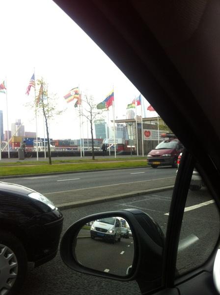 Oeps Schipper is een beetje dom! #willemsbrug #Rotterdam #ongeluk