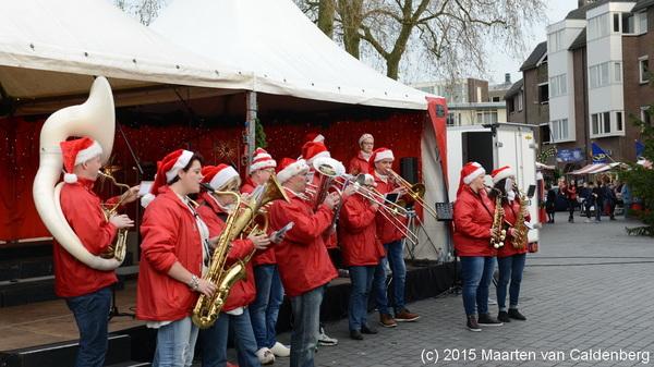 Vandaag is er #kerstmarkt in het centrum van #rosmalen