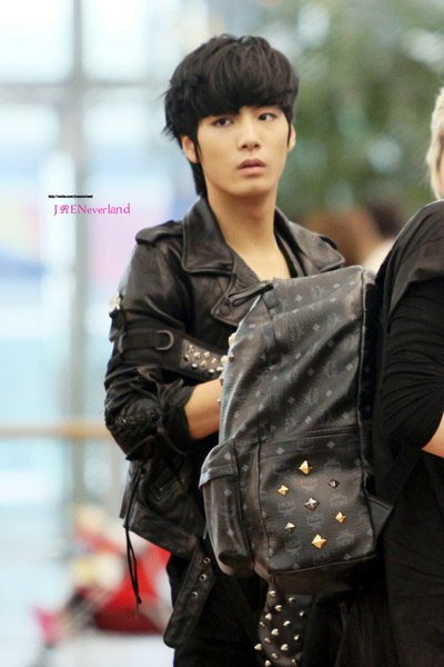 [22.08.12] #JR @ Incheon Airport (Go To Australia) [Cre: JRen NeverLand]