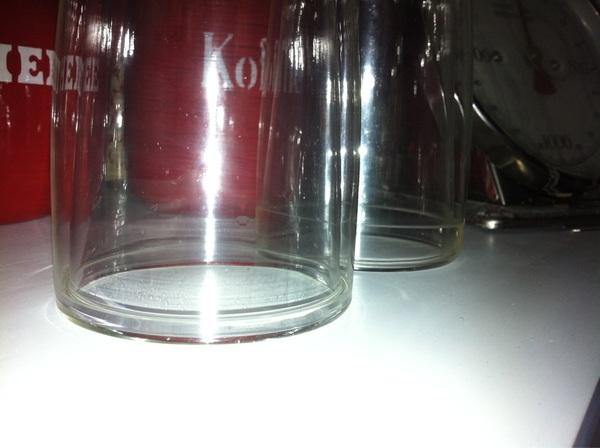 Is het gebruikelijk dat dure #Philips #Saeco glazen water in de dubbele wand laten? #jammer #onsmakelijkidee :(
