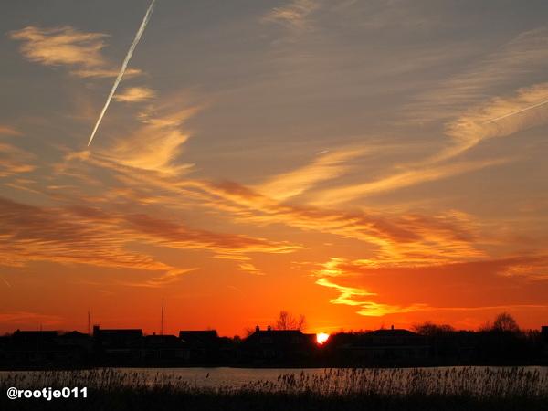 18-02-2015 Prachtige Zonsondergang aan het Gaasterdiep in Drachten  #buienradar